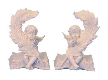 Engel auf Buch mit Glasstein h=9,5cm