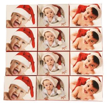 Boxen Baby mit Nikolausmütze