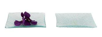 Glasteller klar mit Linien- und