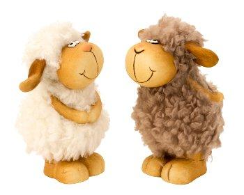 Schaf mit Wuschelfell stehend h=16cm